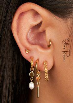 Ear Jewelry, Cute Jewelry, Jewelery, Silver Hoop Earrings, Silver Jewelry, Cute Piercings, Ear Studs, Diamond Are A Girls Best Friend, Bling