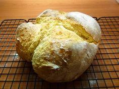 Iers brood (Irish soda bread) Het is zo`n supersimpel brood om te maken. Als je brood bij een soep of stoofpot wilt eten dan zet je het eten op, verwarm de...