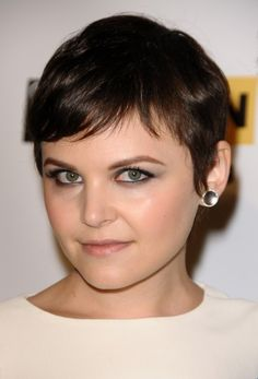 I think I'm going to go a little shorter next time I get my hair cut.  Love Ginnifer Goodwin's pixie!