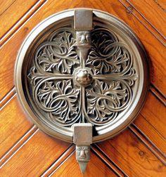 Barcelona - Mallorca Casa Amadeu Maristany built in 1905 Antique Door Knockers, Door Knobs And Knockers, Vintage Door Knobs, Cool Doors, Unique Doors, Make A Door, Door Detail, Door Furniture, Windows And Doors