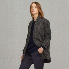 Our Levi's® Made & Crafted™ Wool Blazer is a classic reinvented with premium fabrics and a more structured, oversized silhouette. Minimalist details include a simple raised collar and single button closure. The pile weave fabric offers a textured feel and aesthetic, and the interior is lined with soft cotton.