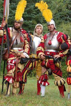 Warhammer LARP costumes inspired by Landsknecht garb Medieval Knight, Medieval Armor, Medieval Fantasy, Costume Renaissance, Warhammer Fantasy Roleplay, German Costume, Grandeur Nature, Armadura Medieval, Landsknecht
