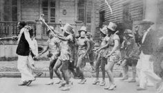 These 21 Vintage Photos Of Mardi Gras In Louisiana Will Mesmerize You