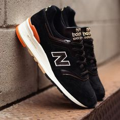 The New Balance Made in the USA collection is proudly made in Massachusetts and Maine by skilled craftsmen using premium leather and suede. The 997 are a classic New Balance running shoe with a cushioned foot bed and premium suede and leather accents. Also features contrasting stitching, brown/black woven laces, and a unique splash of orange in the heel to tie the colors together. Please allow 7-10 days for shipping.