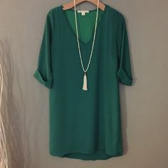 Green Shift Dress Cute v-neck shift dress. The sleeves are 3/4's. Purchased at Francesca's. Francesca's Collections Dresses Mini