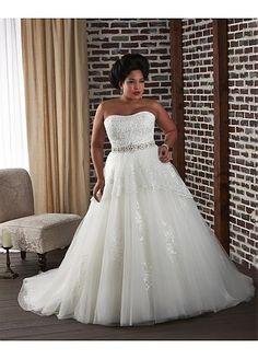 NOUVEAU! Elegant Tulle & Satin Strapless Neckline Natural Waistline A-line Plus Size Wedding Dress