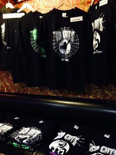 Rock Groups, Graphic Sweatshirt, Sweatshirts, Cats, Fashion, Musik, Moda, Gatos, Fashion Styles