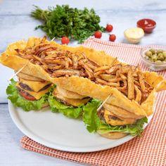 Double Bacon Cheeseburger, Cheeseburger Recipe, Chefs, Mozzarella, Bacon Cheese Burger Recipe, Bacon Sandwich, Dessert Light, Huevos Fritos, Bacon On The Grill