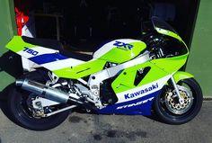 Kawasaki Ninja 750, Motorcycle Design, Trident, Sport Bikes, Jdm, Cars And Motorcycles, Honda, Bicycle, Meanie