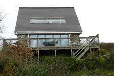 Llais yr Aeron - dog friendly coastal cottage in Aberaeron on Cardigan Bay sleeps 7 plus 2 dogs welcome, sea views and near pub - West Wales Holiday Cottages