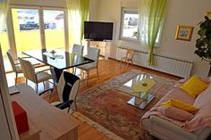 Appartman Mihaljevic Domaslovec Located in Sveta Nedjelja, Appartman Mihaljevic is an apartment boasting a sun terrace. Appartman Mihaljevic boasts views of the mountain and is 17 km from Zagreb. Free WiFi is featured .  The kitchen comes with a dishwasher.