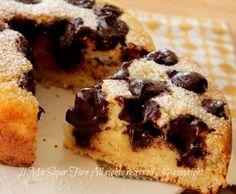 Poke cake con ganache al cioccolato ricetta facile e golosa