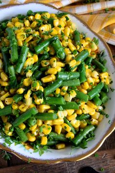 Herb Buttered Corn and Green Beans Anastacia&GreenBC Green Bean And Corn Recipe, Canned Green Bean Recipes, Corn Recipes, Healthy Recipes, Beans Recipes, Grean Beans, Green Bean Salads, Green Bean Dishes, Legumes