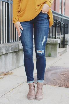Don't forget our Dublin Denim when you're packing your bags for a trip full of pub crawls, fish and chips, and good times! A pair of dark wash, low rise, skinny ankle length jeans with distressing and