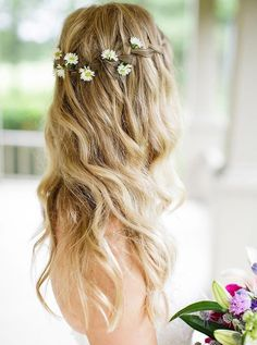 Bridesmaid Hair Half Up, Half Up Wedding Hair, Long Hair Wedding Styles, Wedding Hair Flowers, Prom Hair, Flowers In Hair, Long Hair Styles, Real Flowers, Trendy Wedding