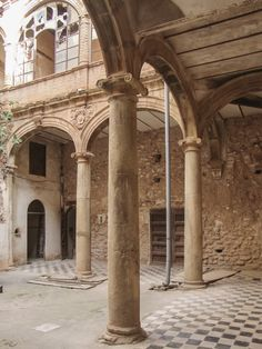 CJWHO ™ (Renewal of the Palau-Castell Renaissance Cloister...)