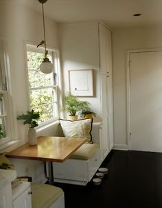 Tiny breakfast nook