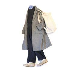 空気がツーンとした冷たさに。ついに寒さ対策コートに切り替えです。しかし一気に寒くなるもので、いきなりや過ぎやしないか?!と愚痴のひとつも言いたくなります。アウターの準備がまだな方はどうぞお早めに。 さて本日は[si-si-si]より届きましたサロペットを使ったコーデ。オーバーオールを女性が着るとき、大人っぽくしたものが多いのですが、それを敢えてオーバーサイズにすることで存在感のあるモダンなデザインに。インナーはコットンシルクのシャツで少しラグジュアリー感を出しています。 アウターはオーバー気味な[NO CONTROL AIR]のコートで全体的にリラックス感のあるカジュアルな雰囲気にまとめてみました。重い印象になりがちな冬のコーデですが、シルエットや色遣いでラフな感じも出したいところです。