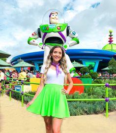 Disney Bound Outfits Casual, Cute Disney Outfits, Disney World Outfits, Disney Themed Outfits, Disney Dresses, Cute Outfits, Disney Princess Outfits, Disfraz Buzz Lightyear, Buzz Lightyear Costume
