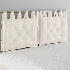Headboard Cushion LA REDOUTE INTERIEURS Cushion headboard, beautifully finished with large knots that give it a charm. Pillow Headboard, Bed Pillows, White Headboard, Cushions, Futon Bedroom, Bedroom Decor, Futon Diy, Futon Frame, Diy Headboards