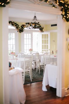 Your décor doesn't have to be red and green just because it's the holiday season.  Winterbourne Inn  Photography: Becca Borge - beccaborge.com Read More: http://www.stylemepretty.com/southeast-weddings/2013/03/14/jacksonville-winterbourne-inn-wedding-from-becca-borge/