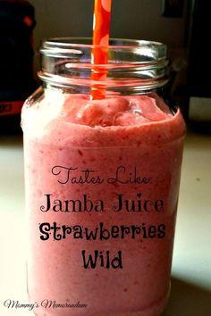 Jamba Juice Strawberries Wild Recipe Ingredients: 1 cup apple juice 1 cup frozen strawberries 1 sliced banana 1 cup non-fat vanilla frozen yogurt 1 cup Avocado Smoothie, Smoothie Fruit, Apple Smoothies, Yummy Smoothies, Smoothie Drinks, Strawberry Banana Smoothie, Homemade Smoothies, Strawberry Juice, Fitness Smoothies