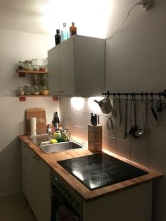 With SUNNERSTA mini-kitchen you can get a hob, fridge, sink and ... | {Schrankküche ikea 36}