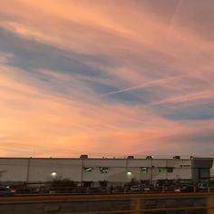 #rawpicture #inmigration #mexico #ciudadjuarez #afterwork #sunset #walking #longdistance #longday #waitingtime