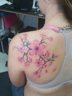 """Tattoo que reformei ontem a noite ... Flor de Cerejeira """" sakura""""  Sala Nust Custom Tattoos Av. Brasil 1831, sala 1206, Funcionarios, BH/MG - Brasil Contatos: #whatsapp (31) 9477-4781 ou lorinhotattoonust@gmail.com"""