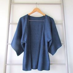 A DIY slouchy kimono (for the beginner sewer in all of us) to wrap up in for fall!