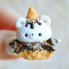 45 Super Ideas For Cake Cute Animal Polymer Clay Fimo Kawaii, Polymer Clay Kawaii, Polymer Clay Animals, Polymer Clay Figures, Kawaii Crafts, Polymer Clay Cupcake, Polymer Clay Charms, Polymer Clay Miniatures, Polymer Clay Creations