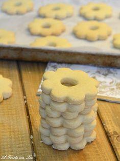 Italian Desserts, Mini Desserts, Dessert Recipes, Italian Biscuits, Torte Cake, Winter Treats, Cookies, Cookie Decorating, Baked Goods