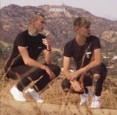 It's not real but I think one day will be 💛😙😍 (marcus & martinus my 2 baby's ) Twin Boys, Twin Brothers, Marcus Y Martinus, 17 Kpop, Love Twins, Dream Boyfriend, Perfect Boy, Tumblr Boys, Handsome Boys