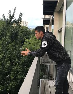 James Rodríguez: your focus determine your reality. Everton, Fifa, James Rodriguez Colombia, James Rodrigues, Real Madrid Team, World Football, David, Soccer Players, Cristiano Ronaldo