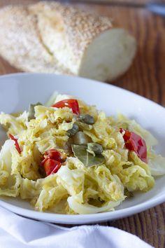 Ricetta vegetariana #ricettavegana #contorno Pasta Salad, My Recipes, Ethnic Recipes, Food, Contouring, Vegans, Crab Pasta Salad, Essen, Meals