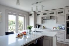 Primestones® is the Premier Supplier of fine imported and domestic Granite, Quartz and Marble in South Florida. Silestone Countertops, White Countertops, Kitchen Countertops, Granite, Brown Kitchens, Up House, Kitchen Tops, Wall Cladding, Kitchen Interior