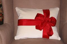 Simple and elegant, who wouldn't want this adorable pillow for their Christmas present?  Easy enough to make yourself, or buy it in her Etsy store.