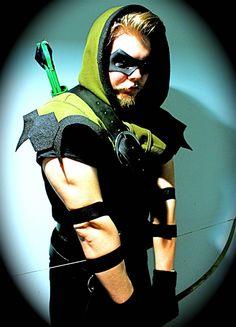 Green Arrow cosplay.