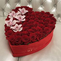 Looking for luxury Red roses in a heart box? JLF Los Angeles offers Yelena With Orchids In Heart Box of 75 red roses carefully put together to express romance and love. Celebrate Mothers Day with the world's most exquisite flowers! Valentines Flowers, Mothers Day Flowers, Flower Box Gift, Flower Boxes, Luxury Flowers, Love Flowers, Fresh Flowers, Valentine's Day Flower Arrangements, Bouquet Box