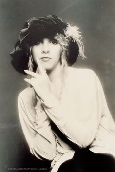 Dedicated to Stevie Nicks: Photo Buckingham Nicks, 80s Hair Bands, Stevie Nicks Fleetwood Mac, Beautiful Voice, Simply Beautiful, Look Vintage, Love Her Style, Rock And Roll, My Girl