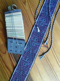 Pebble-weave, Double-weave Tabletweaving, in 4 colors Gemaakt door Loes Meijer
