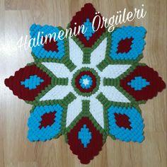 Filet Crochet, Doilies, Knitting, Mini, Farmhouse Rugs, Couple Things, Kites, Hairstyle Man, Toss Pillows
