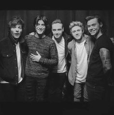 Niall Horan, Harry Styles, Liam Payne, Zayn Malik, and Louis Tomlinson Niall Horan, Zayn Malik, One Direction Wallpaper, One Direction Pictures, I Love One Direction, Nicole Scherzinger, Liam Payne, Louis Tomlinson, Boys Who