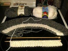 Nemiran Nurkkaus: Nyöritetyt polvisukat Merino Wool Blanket, Needlework, Knitting, Bed, Furniture, Home Decor, Winter Time, Tejidos, Embroidery
