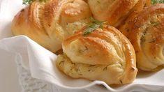 Bryndzové pečivo Czech Recipes, Turkey, Bread, Chicken, Food, Gardening, Basket, Turkey Country, Brot