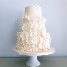 White Sugarflower cake