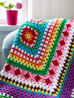 Transcendent Crochet a Solid Granny Square Ideas. Inconceivable Crochet a Solid Granny Square Ideas. Beau Crochet, Crochet Diy, Crochet Afgans, Manta Crochet, Crochet Round, Crochet Home, Love Crochet, Crochet Crafts, Crochet Projects