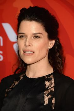 Neve Campbell Photos - Actress Neve Campbell attends Variety's Power Of Women: New York 2016 at Cipriani Midtown on April 2016 in New York City. - Variety's Power of Women: New York 2016 Beautiful Jewish Women, Most Beautiful, Canadian Actresses, Hot Actresses, Neve Campbell, Hottest Models, Woman Face, In Hollywood, Actors