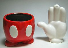You can have Mickey Mouse with you at every meal with this fun set! MICKEY MOUSE PANTS AND GLOVE DISNEY SALT & PEPPER SHAKER SET