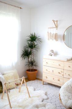 Lola's Nursery Reveal : A Boho Neutral Space, with Bunny Accents — Vida Mamacita Nursery Room, Kids Bedroom, Bedroom Decor, Bedroom Ideas, Girl Nursery, Nursery Decor, Neutral Bedrooms, Nursery Neutral, White Nursery